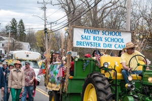 Family School float